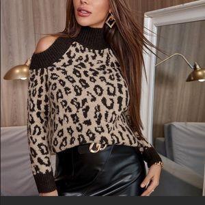 💃🏻DALIA Leopard print cut out shoulder sweater